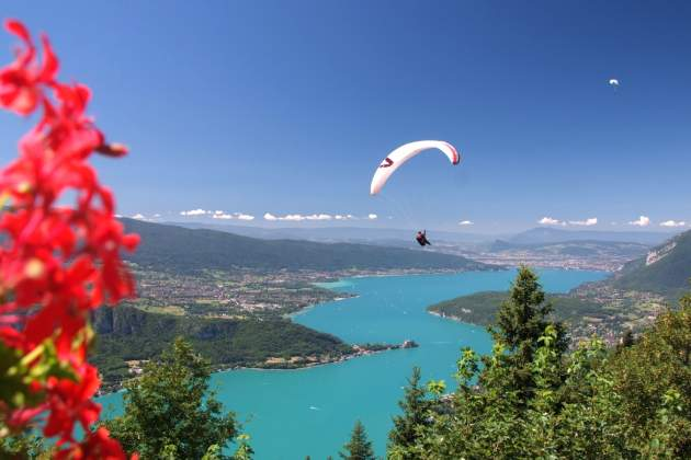Annecy, a paragliding paradise